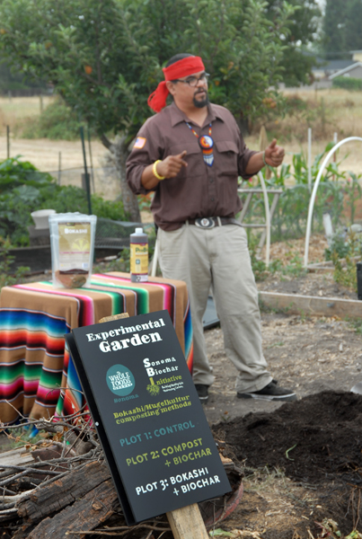 Instructor Cuauhtemoc Villa discusses Indigenous farming techniques during a class at the Sonoma Garden Park.